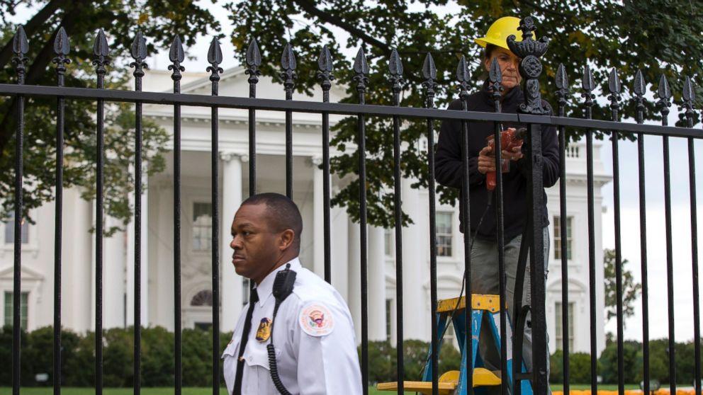 AP_White_House_Fence_2_emd_20141023_16x9_992