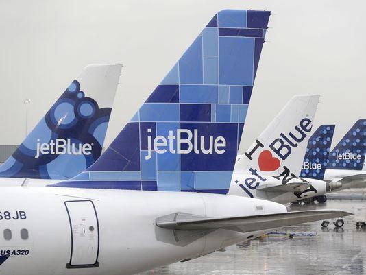 1410521633000-AP-Airline-Travel