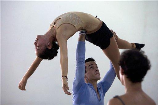 Anette Delgado, Javier Torres