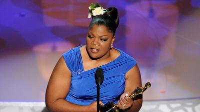 """Mo'Nique accepts the Oscar for best performance by an actress in a supporting role for """"Precious: Based on the Novel 'Push' by Sapphire"""" at the 82nd Academy Awards Sunday, March 7, 2010. (AP Photo)"""