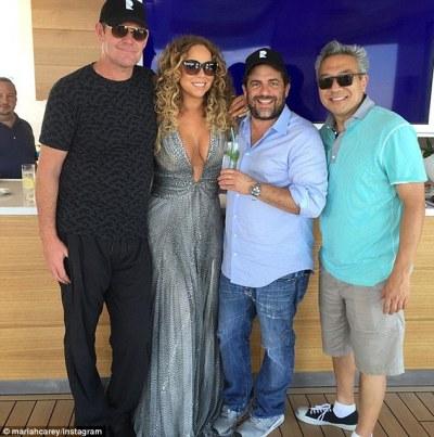 James Packer, Mariah Carey, Warner Bros. CEO Kevin Tsujihara and director Brett Ratner (Mariah Carey/Instagram)