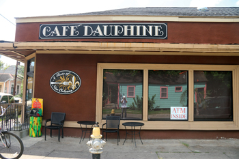 cafe_dauphine_neworleans_09-01-2015