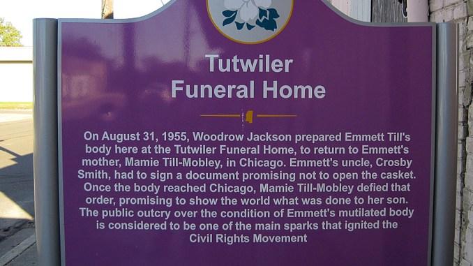 Marker in Front of Tutwiler Funeral Home, Photo: Thomas R Machnitzki (thomas@machnitzki.com)/Wikimedia Commons