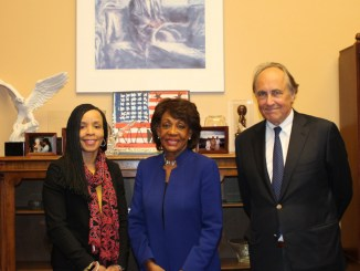 Rep. Maxine Waters meets with CBS Vice President of News and Executive Director of Staff Development and Diversity, Kim Goodwin, and CBS Vice President and Washington Bureau Chief, Christopher Isham, on Capitol Hill. (Photo courtesy of Rep. Waters Office)