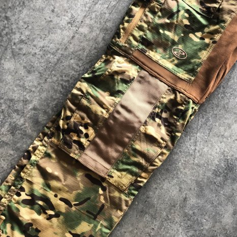 Disruptive Combat Pants knee detail