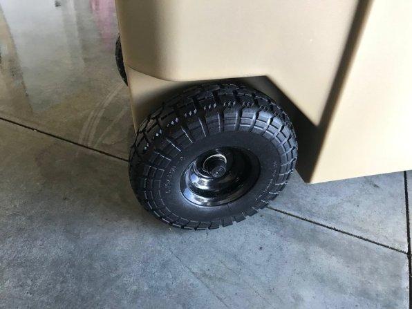 Speedbox Endurance 40 large tires