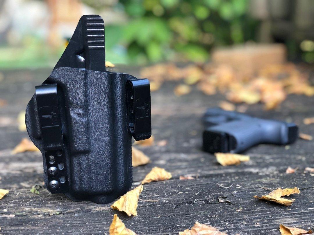 Bravo Concealment Torsion IWB Glock 19 Holster Review