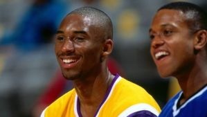 B.J. Armstrong recalls dinner with Michael Jordan and Kobe Bryant: 'They were playing a virtual game of 1-on-1'