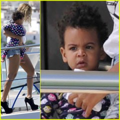 beyonce-blue-ivy-arrive-in-ibiza-after-made-in-america-fest