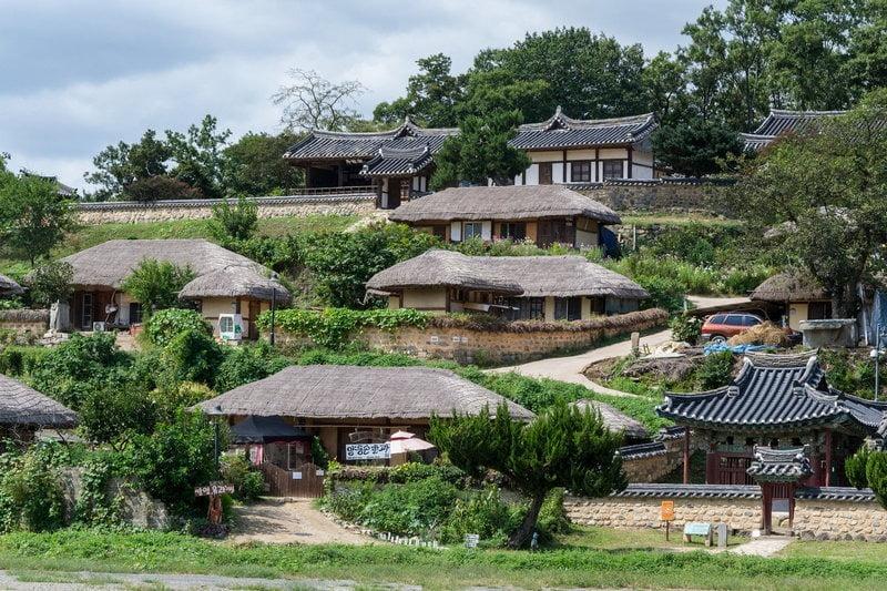 rumah penduduk di kota gyeongju, korea selatan