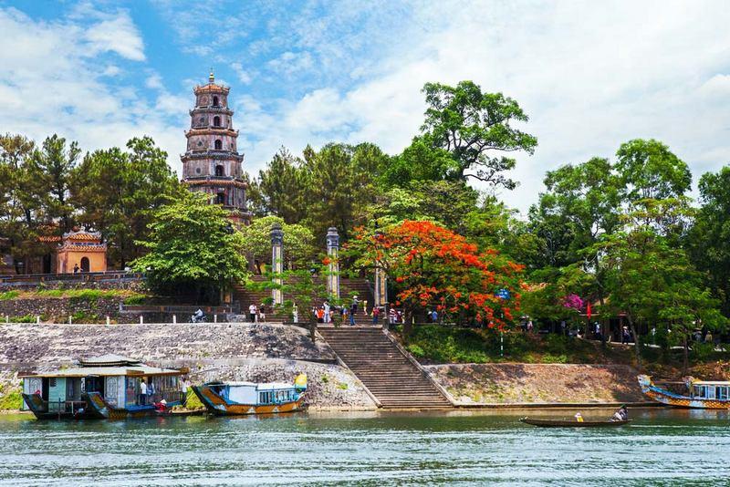 panorama kota hue, vietnam
