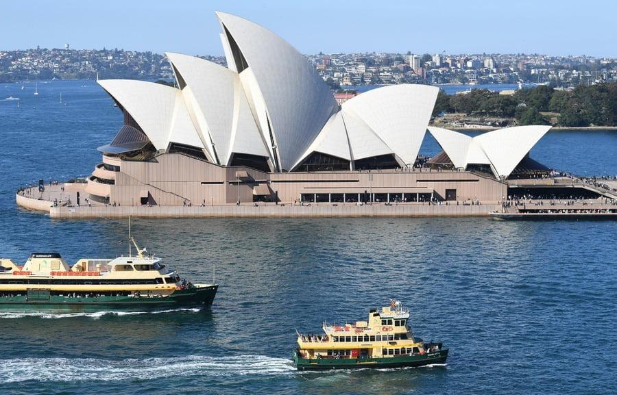 gedung opera house, sydney, australia