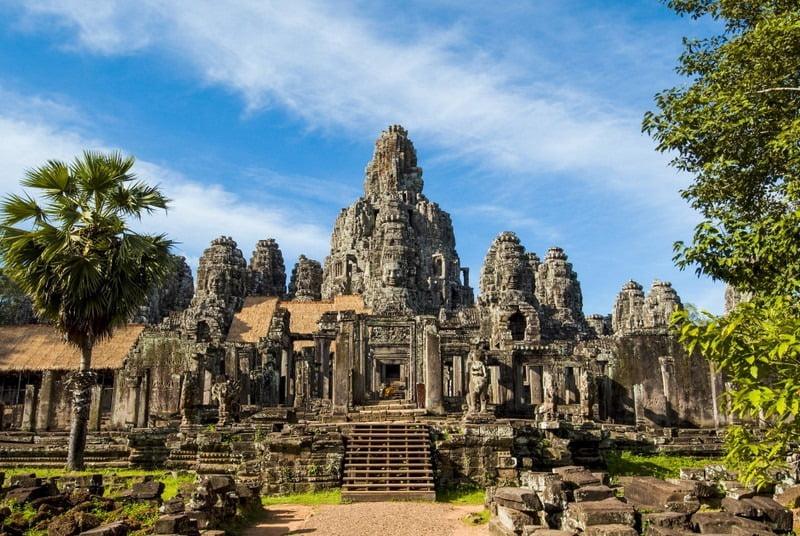 bagian depan kompleks angkor thom, kamboja