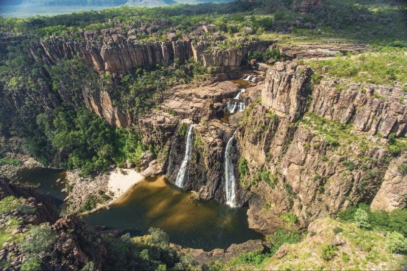 air terjun di kakadu national park, australia