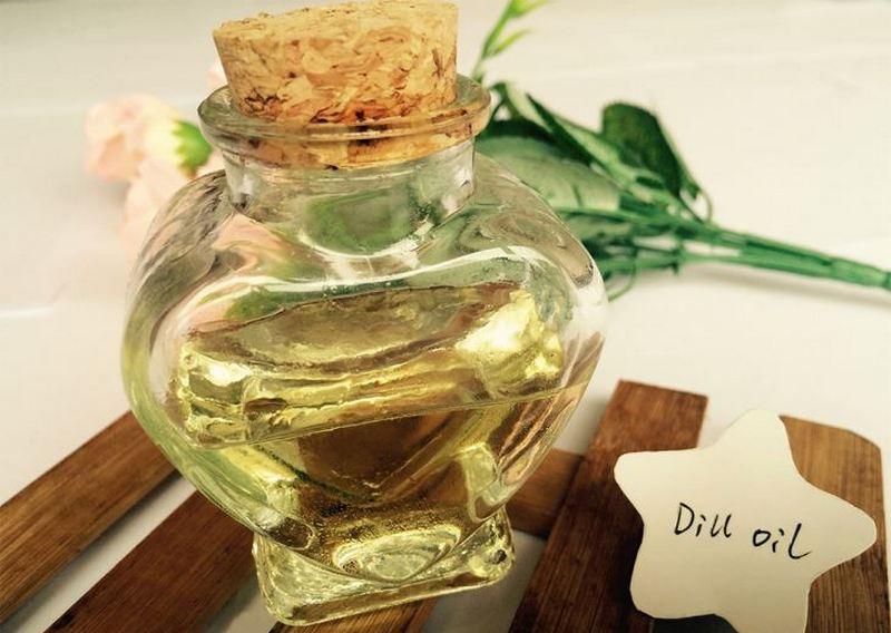 sebotol dill essential oil (minyak adas sowa) dengan sumbat gabus