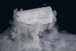 Apa itu Es Kering (Dry Ice)? Sifat, Cara Pembuatan & Kegunaannya