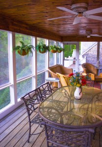 The Benefits of a Screened Porch for Your Home