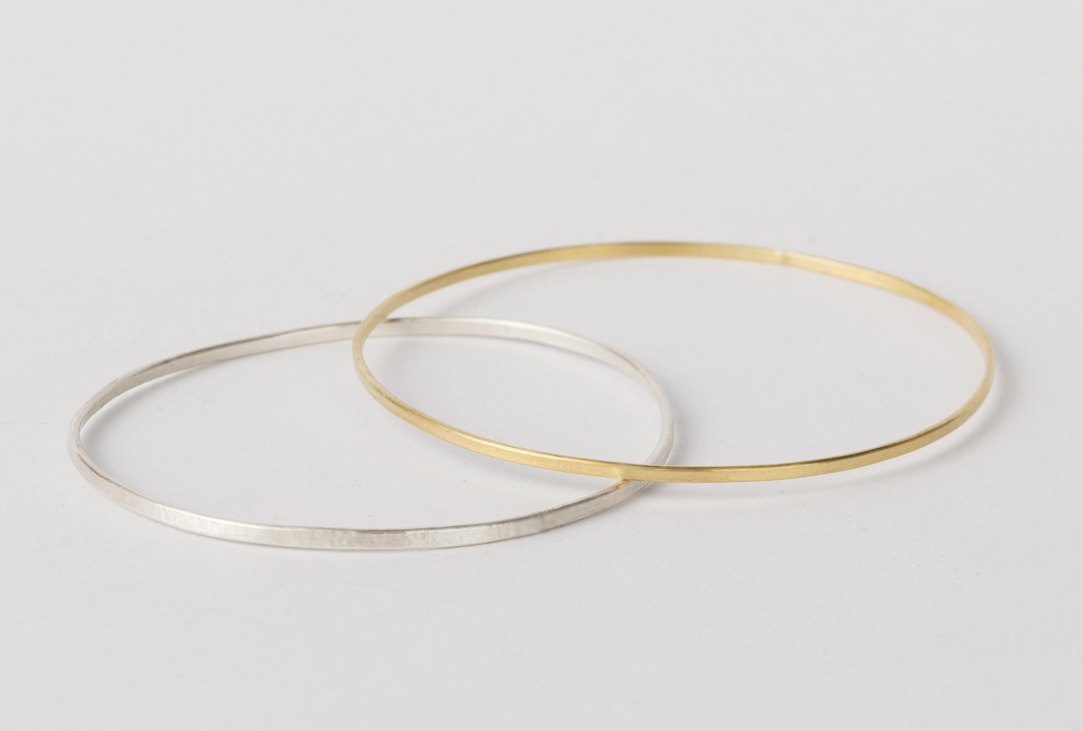 Pulsera de plata bañada en oro fina y delicada