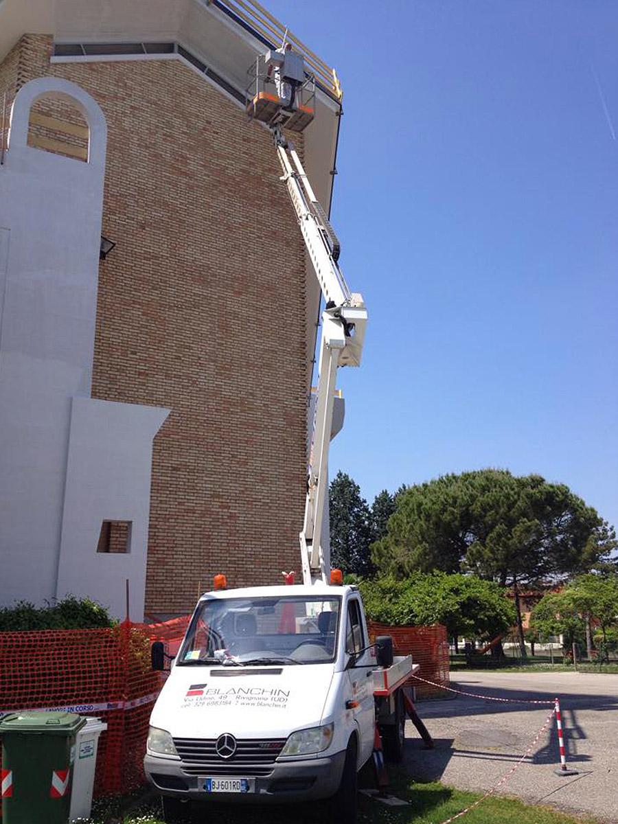 pitture edili esterno chiesa