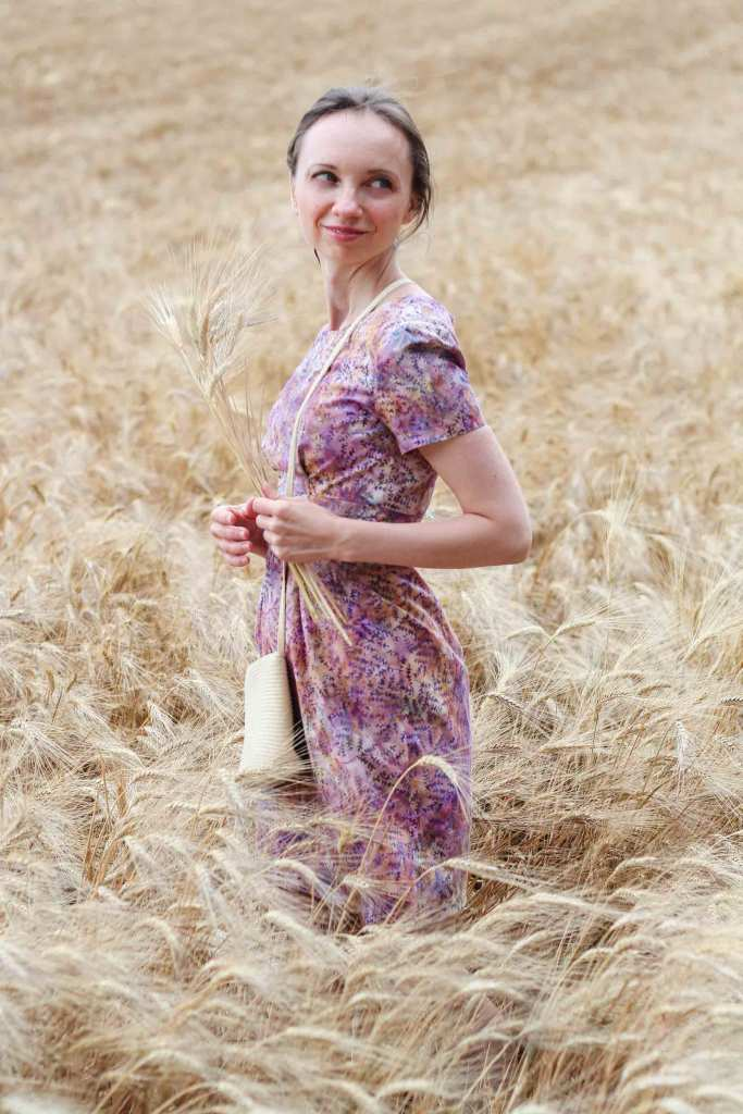 Megan Dress Schnittmuster schlichtes Kleid im Kornfeld