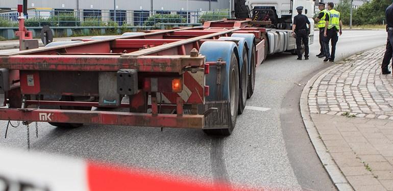 Abbiegeunfall - LKW erfasst 19 jährige Fahrradfahrerin!