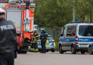 Palette mit Chemikalien aus Hochregallager gefallen! - Großeinsatz der Feuerwehr
