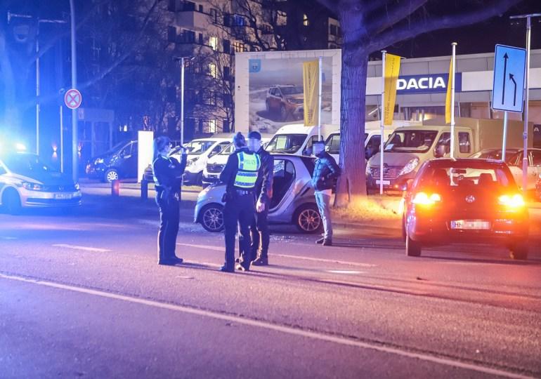 Verkehrsunfall nach Nötigung und Trunkenheit in Hamburg-Othmarschen