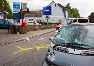Schwerer Verkehrsunfall: Mann (24) läuft unvermittelt auf die Straße und wird von PKW erfasst