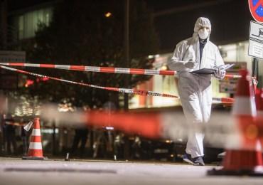 Wilder Westen in Harburg - Zwei Gruppen schießen mit Waffen aufeinander!
