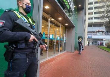 Amokalarm! - Großer Polizeieinsatz im Alstertal-Einkaufszentrum