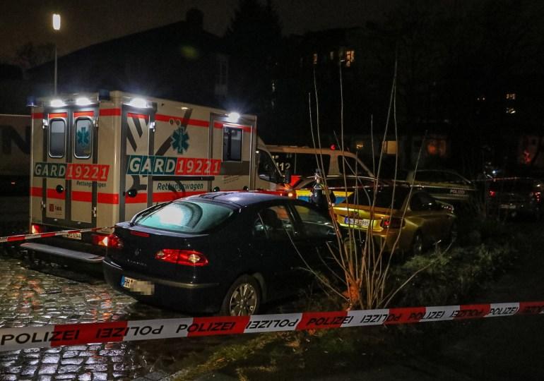 Männliche Person (26) auf offener Straße angeschossen! - Polizei fahndet nach den Schützen