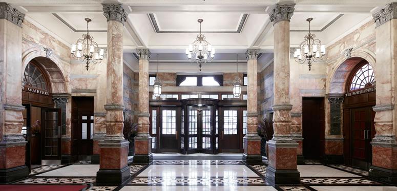 Lobby club quarters
