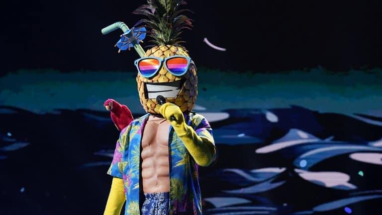 masked singer episode 2