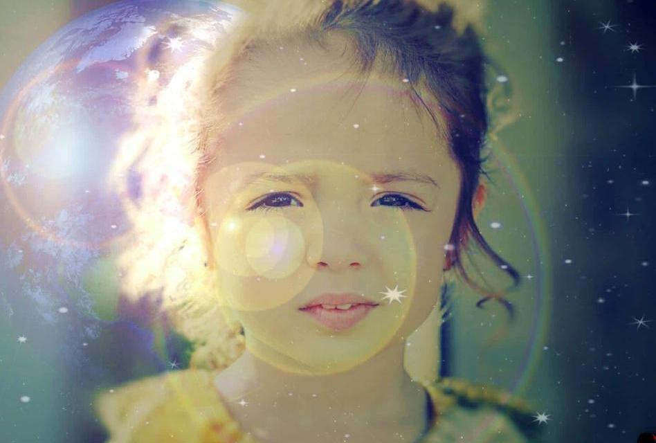 Staré duše přicházejí na tento svět v nových generacích dětí. Jak je poznat?