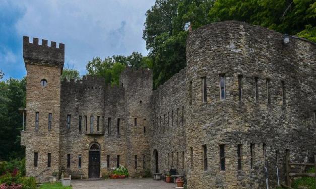 Hrad Loveland je středověká stavba s velmi podivnou historií