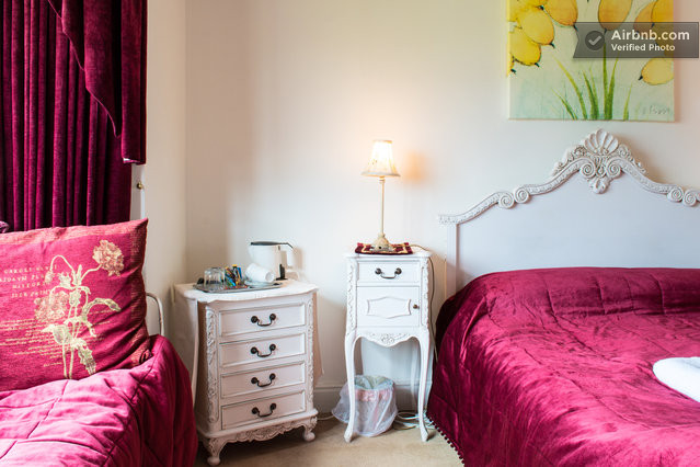 The Fairfield room offers accommodation for double, twin or triple occupancy. Bag the bed in the huge triple bay windows for amazing views to the north of Lake Windermere and the mountains as far as the eye can see!