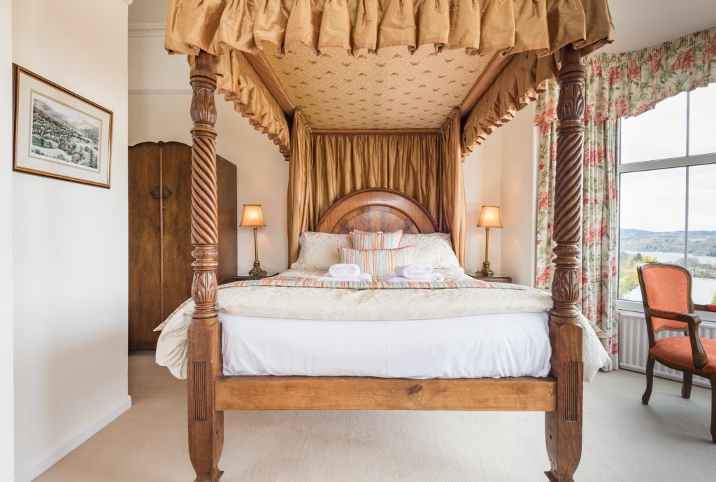Four poster bed