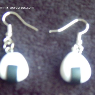 Onigiri earrings- So Jade Clay Works had all sorts of charms on hand, and for a small upcharge, she would turn them into the accessory of your choice while you wait. Since I just recently started dabbling in the art of making onigiri, I snatched these up right away.