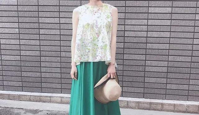 tops:cloche、 bottoms:parlmasel、 shoes:tonipons、 hat:lueuf – from Instagram