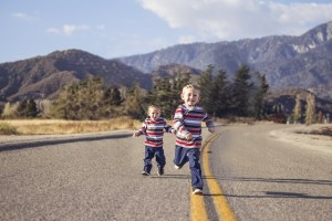 toddlers-on-road