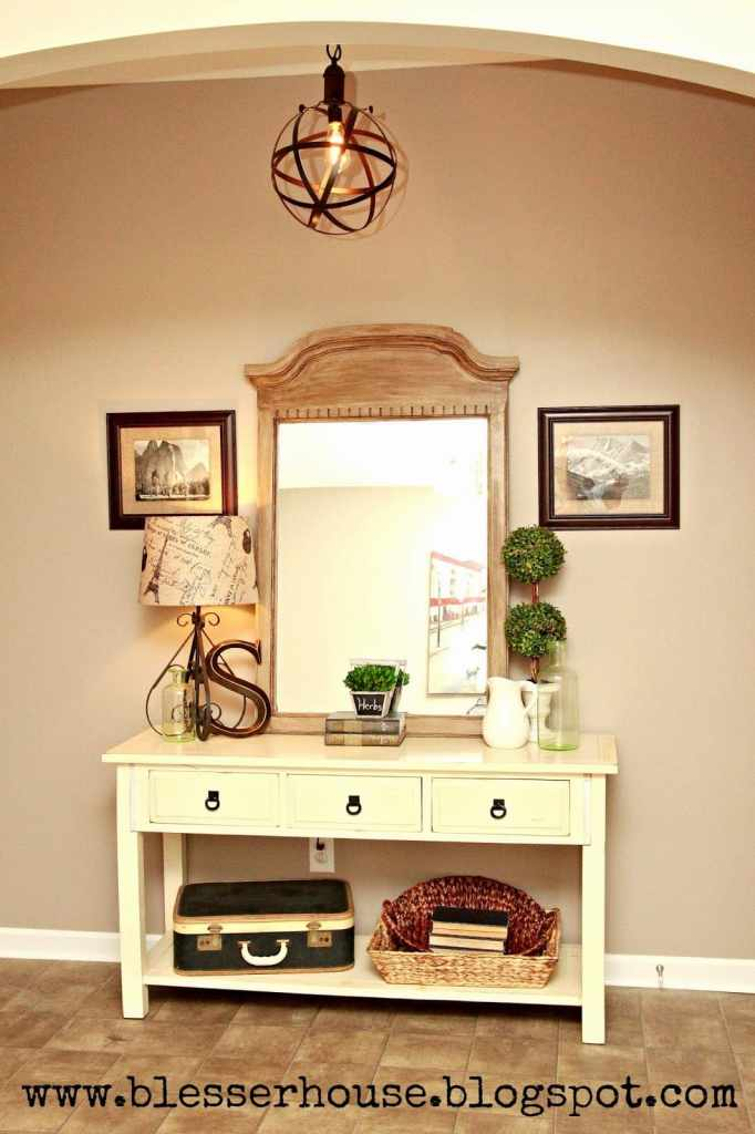12 of the most common decorating mistakes most people make when choosing paint colors, furniture layouts, and styling, and tips on how to avoid them. #decorating #decoratingmistakes #decoratingtips - Using too much clutter in decor