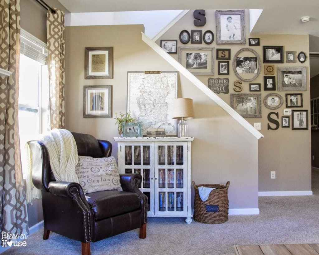 12 of the most common decorating mistakes most people make when choosing paint colors, furniture layouts, and styling, and tips on how to avoid them. #decorating #decoratingmistakes #decoratingtips Don't decorate around something you hate!  Clutter isn't the answer.