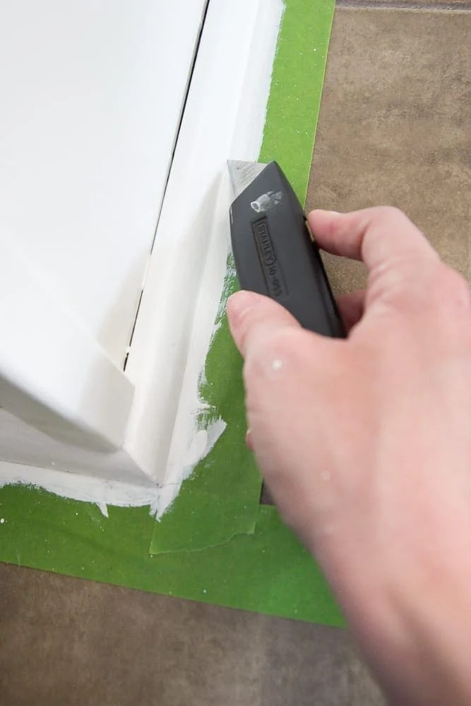 How to Paint Kitchen Cabinets Like a Pro | blesserhouse.com - A complete step-by-step tutorial and full source list for painting kitchen cabinets to make them as durable as possible for as quickly and easily as possible.