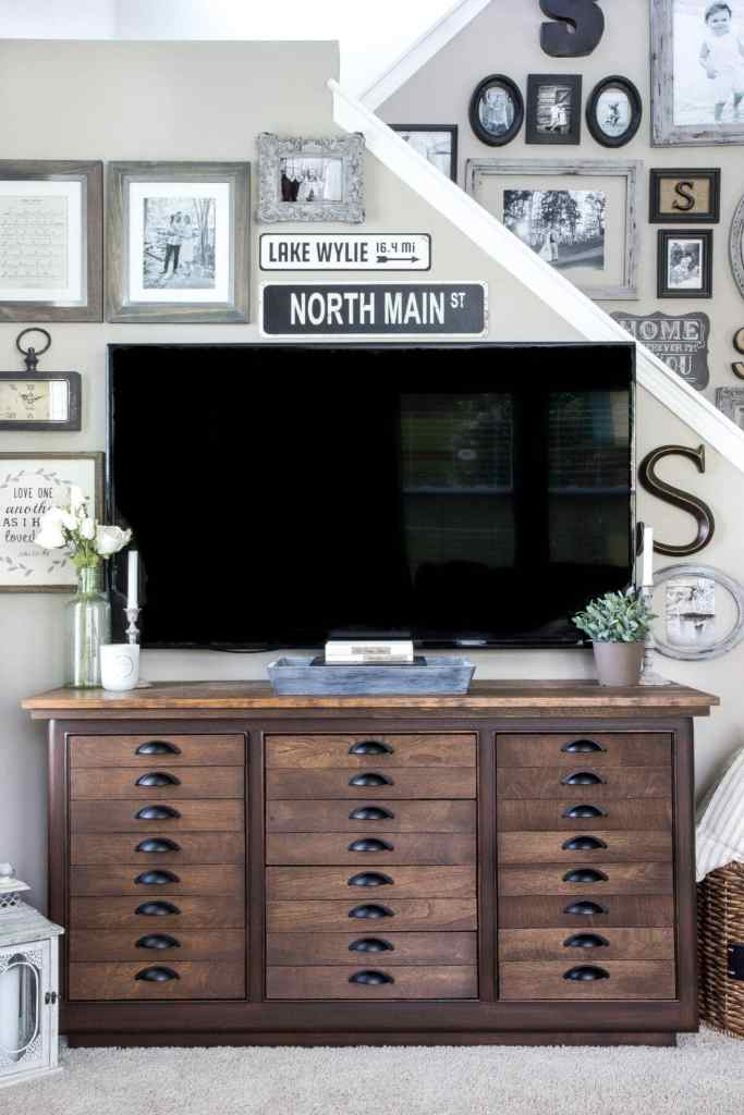 Decorating Around a TV | blesserhouse.com