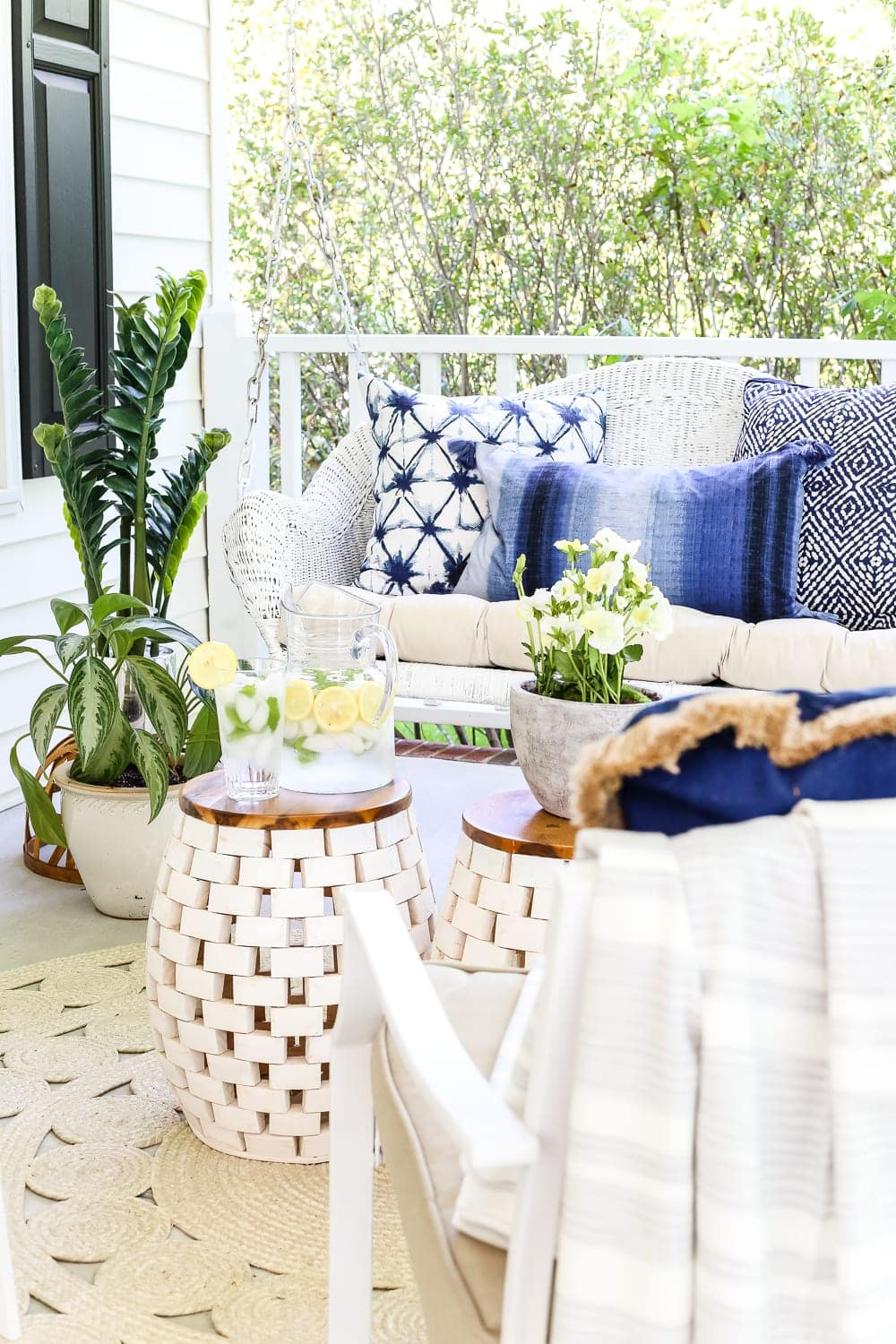 outdoor decor on front porch for summer