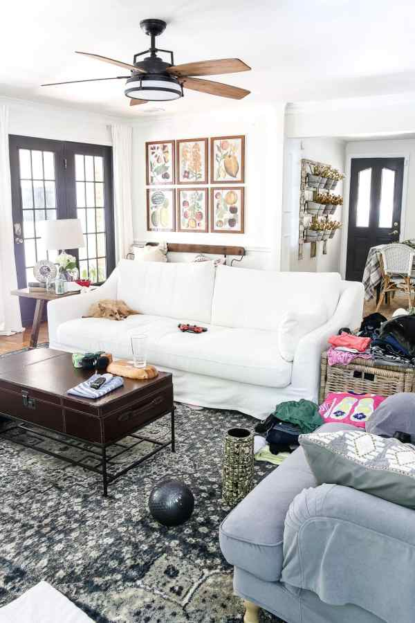 Messy House Tour 2017 | blesserhouse.com - A real life messy house tour of a blogger with a little perspective makeover. #hometour