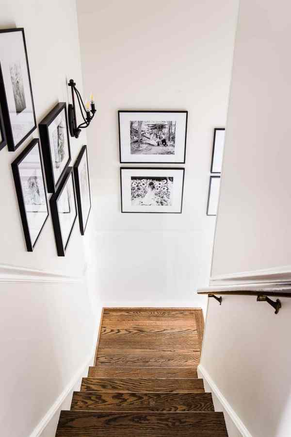 How to Hang the Perfect Gallery Wall | blesserhouse.com - How to Hang the Perfect Gallery Wall | blesserhouse.com - 5 tips to make a gallery wall look polished and one simple trick to make it quick and easy to plan. #gallerywall #walldecor #foyer #entryway