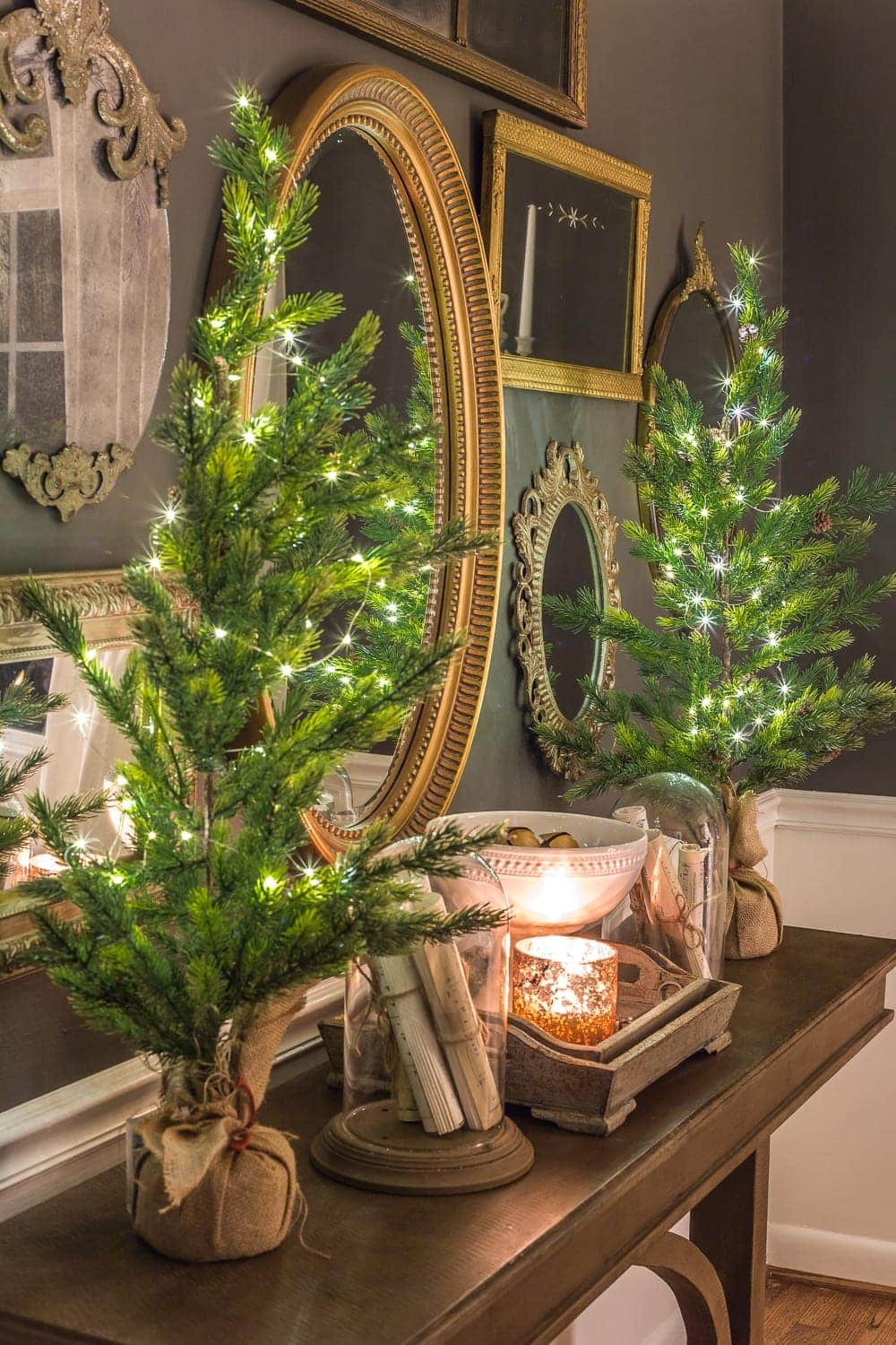 Christmas Candlelight Night Tour | Dining Room Mirror Gallery Wall