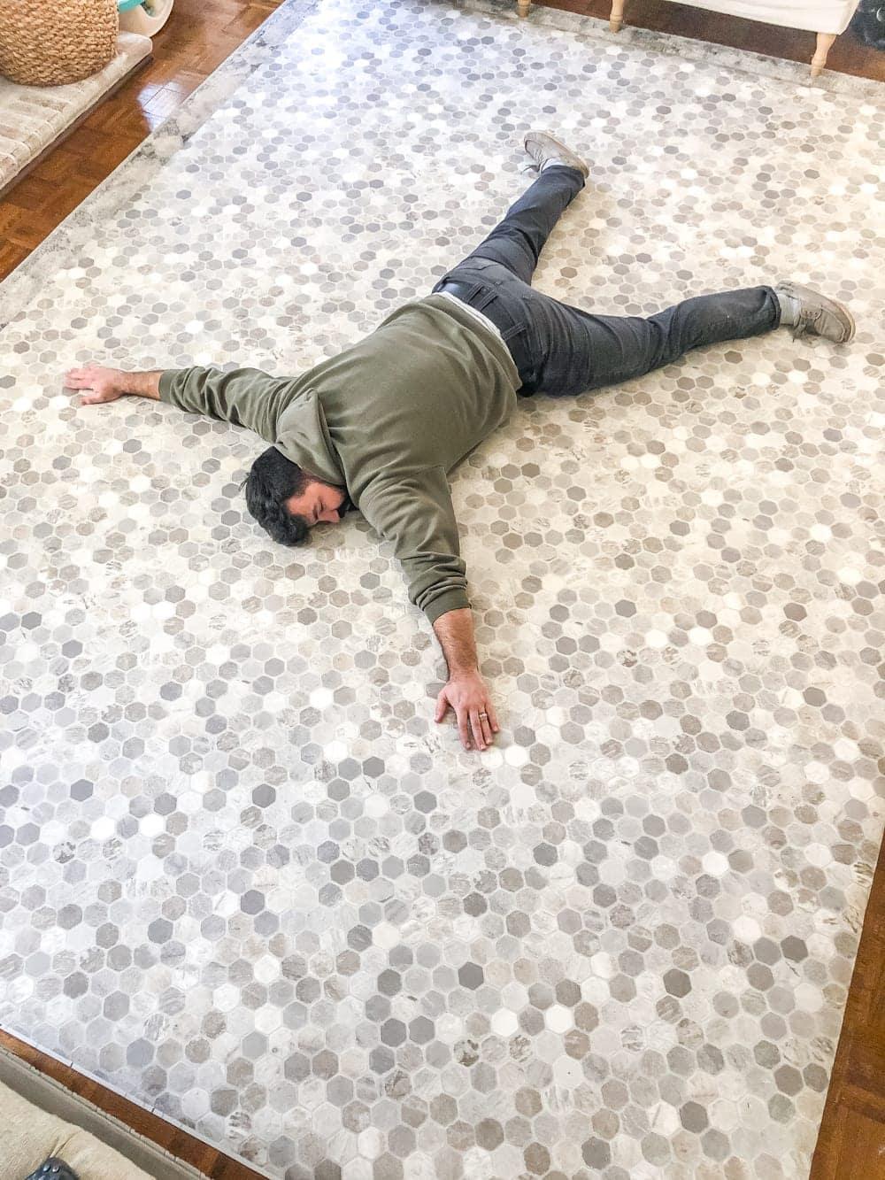 How to install sheet vinyl flooring over old tile   roll out your sheet vinyl