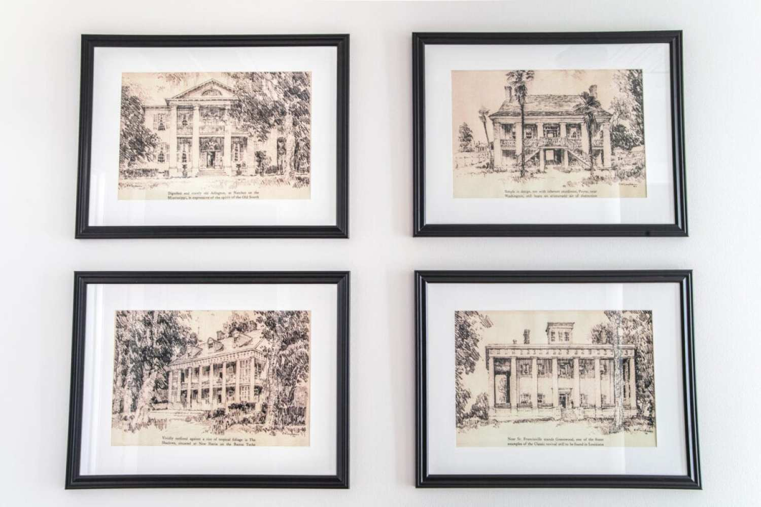A set of 4 architectural printable art of Southern Antebellum mansions perfect to mat and frame for an antique feel anywhere in your home.#architecturalprints #architecturalart #freeprintableart #freeprintables #freeart #walldecor #hallway